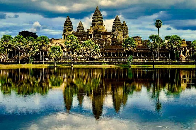 Private full day Angkor Small tour by Lexus