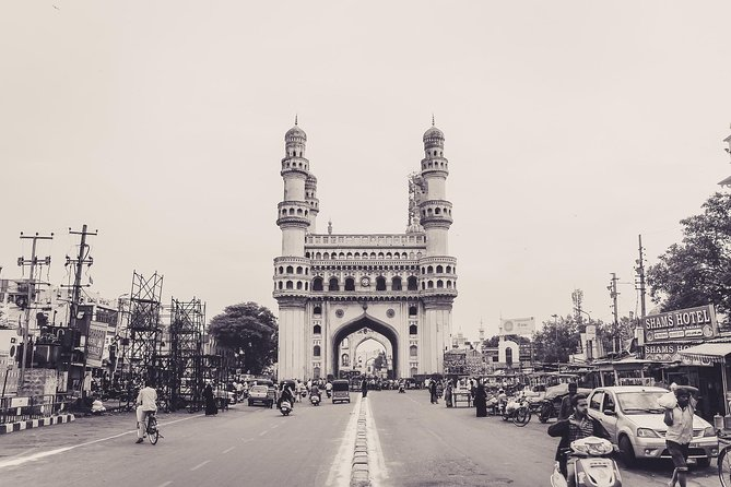 Hyderabad- Transfers+Hotel+Sightseeing (3 Days)