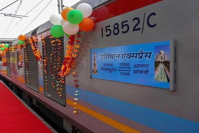 Taj Mahal Day Tour by Gatimaan Train/Rail All Inclusive from Delhi