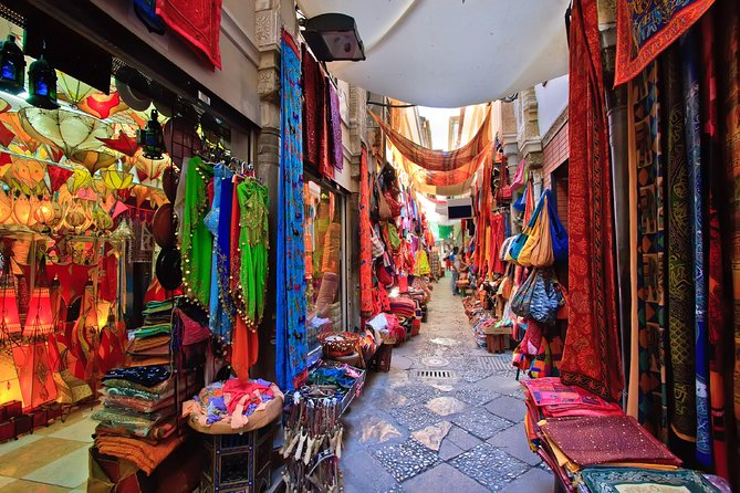 Bustling Markets of Delhi (Guided Half Day Shopping Tour) photo 6