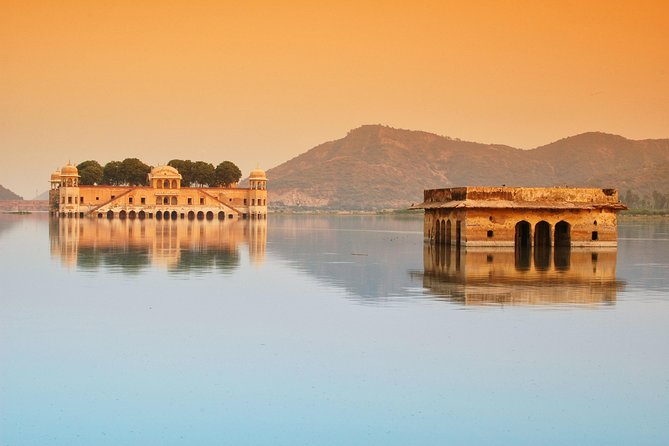 Visit Forts & Palaces of Jaipur (Private Guided Day Trip to Jaipur from Delhi)
