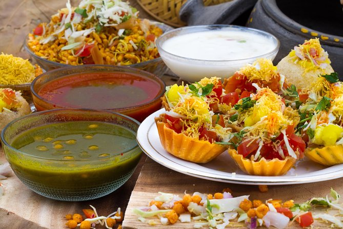 Delhi: Street Food Crawl (2 Hours Guided Food Tasting Tour)