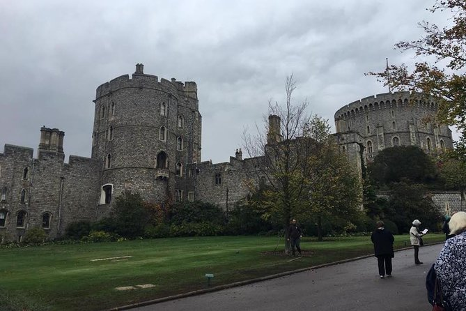 Private Transfer - London to / from Windsor photo 1