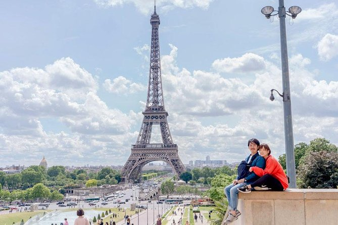 30 minutes of photography at a tourist spot in Paris