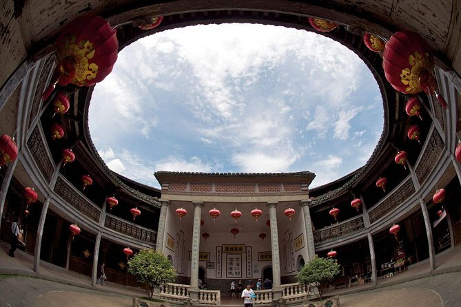 Xiamen Private Day Tour to Tianluokeng Tulou Cluster and Hongkeng Tulou photo 2