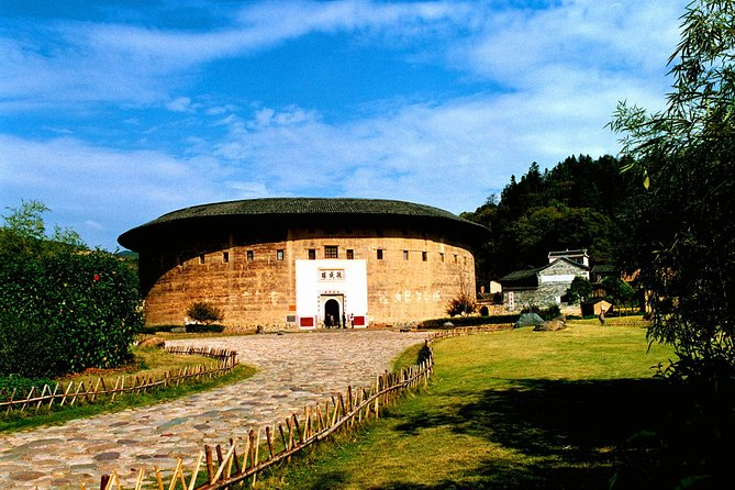 Xiamen Private Day Tour to Tianluokeng Tulou Cluster and Hongkeng Tulou photo 11