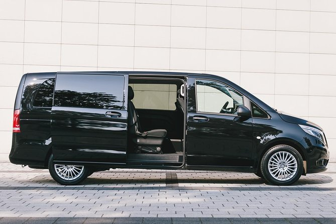 Private Arrival Transfer: Frankfurt Airport to Darmstadt or Hanau