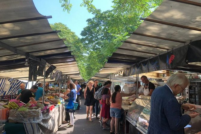 French pastries and market tasting tour around Eiffel Tower for private groups