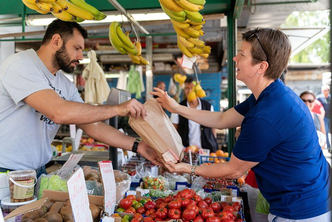 Local market visit and dining experience at a Cesarina's home in Como