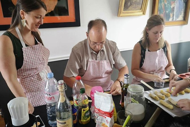 French pastry class in Montmartre with a Sacre Coeur view for private groups