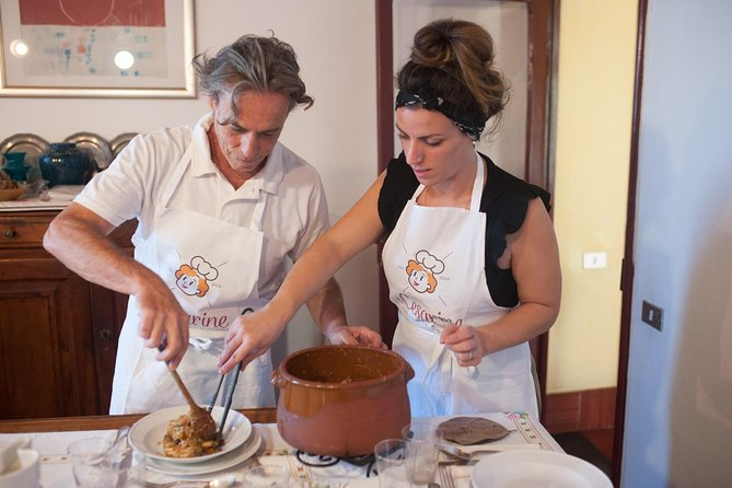 Private cooking class at a local's home with lunch or dinner in Montepulciano