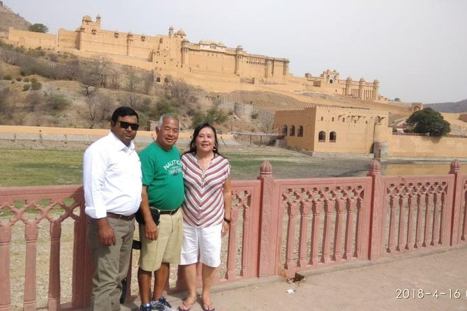 Book Tour Guide for Jaipur city tour.