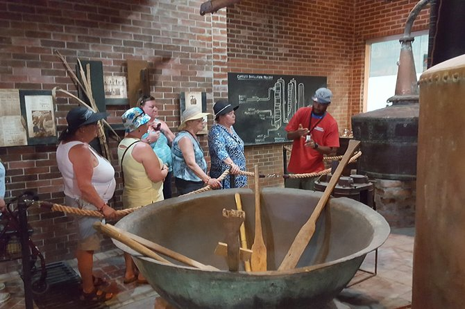 Belize City and Rum Factory Tour photo 2