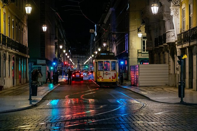 Private Vibrant Porto Nightlife Tour with a Local: Hotspots & Local Life photo 11
