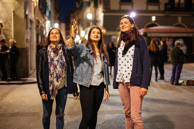 Private Vibrant Porto Nightlife Tour with a Local: Hotspots & Local Life photo 3