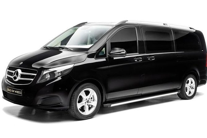 Executive Minivan Transfer - (Pickup Hotel/Residence to Airport 1-5 Passengers)