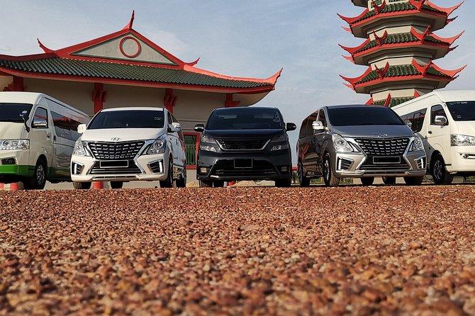 Chauffeur: Malacca to Kuantan Transfer [Car]