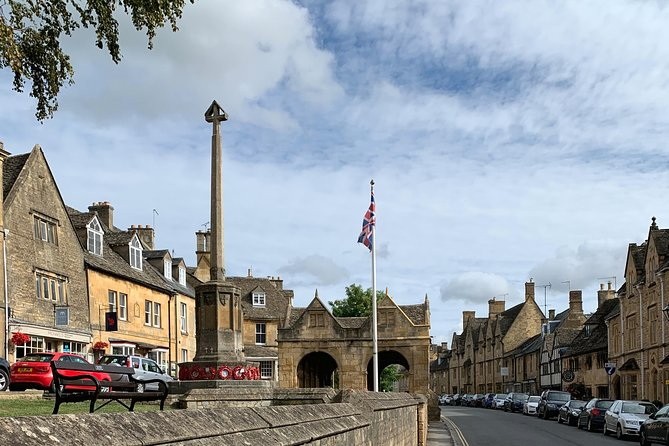 Private Full Day Excursion to the Cotswolds in an Iconic London Black Cab