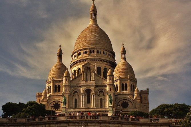 Montmartre: Explore this classic Parisian neighborhood on an audio walking tour