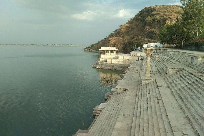 Visit Rajsamand Lake, Udaipur - A Guided Day Trip