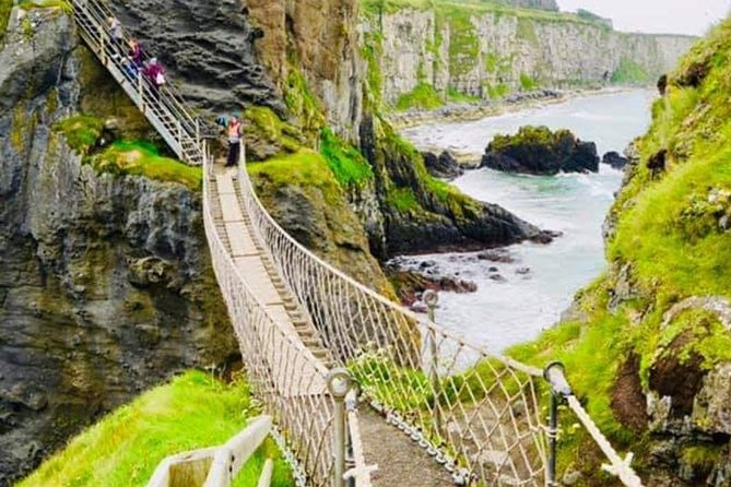 S Class Giant's Causeway and Carrick-a-Rede Rope Bridge PRIVATE BESPOKE TOURS