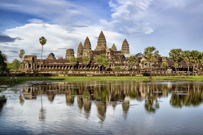 Explore Angkor Wat full-day Tour