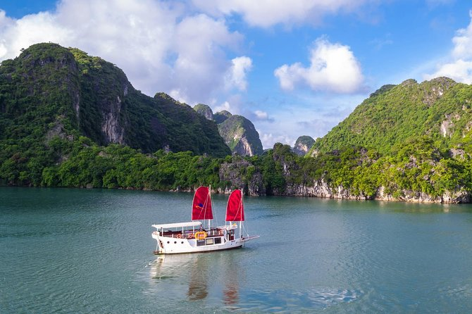 Luxury Halong Bay & Bai Tu Long Bay In One Day