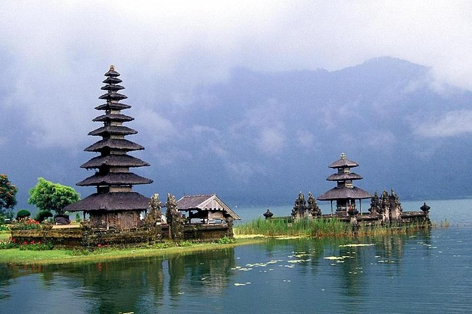Full day tour to Ulun danu and tanah lot temple (PVT)