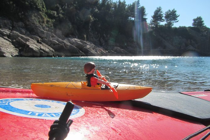 Discovering the Bay of Ieranto by kayak