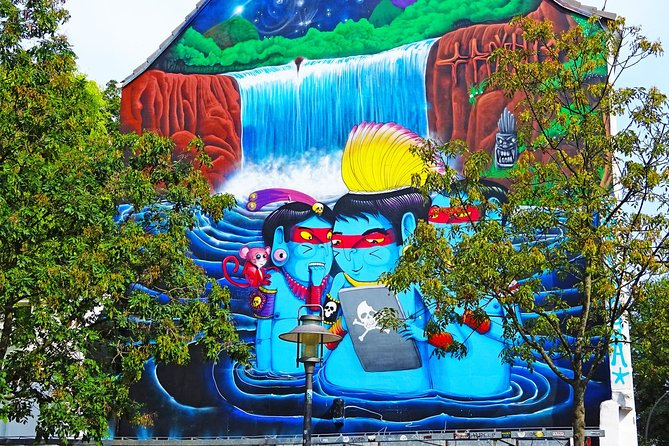Bunte Graffitis säumen das Straßenbild und die Hinterhöfe im Schanzenviertel