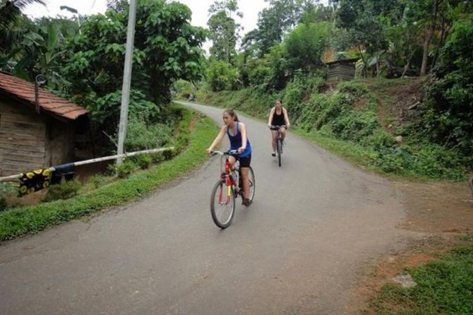 Village and Lagoon Cycling Tour in Galle photo 7