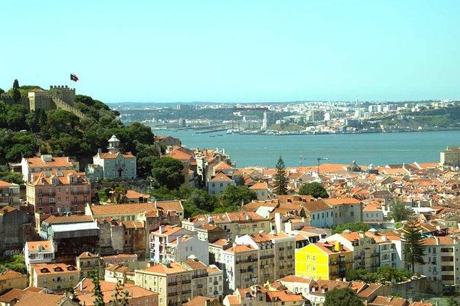 リスボンの丘の魅力を発見するための終日旅行