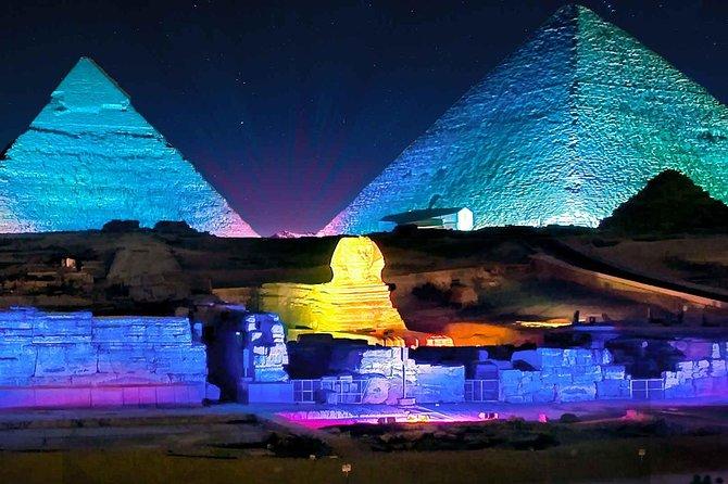 Espetáculo de sons e luzes nas Pirâmides de Gizé