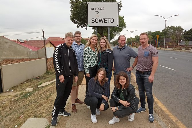 Soweto and Apartheid Museum & Local Lunch Half Day Tour