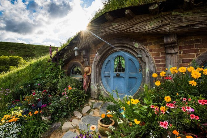 Hobbiton Movie Set Tour & Waitomo Glowworm Cave Experience photo 3