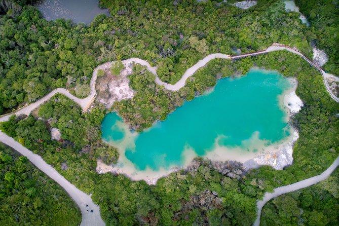 Hobbiton Movie Set Tour & Rotorua Living Māori Village Experience