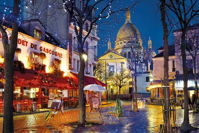 Christmas Montmartre Night Tour & Champagne - Moulin Rouge to Sacré Coeur
