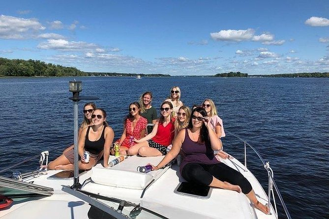 Ottawa River Tour, Private Yacht photo 8