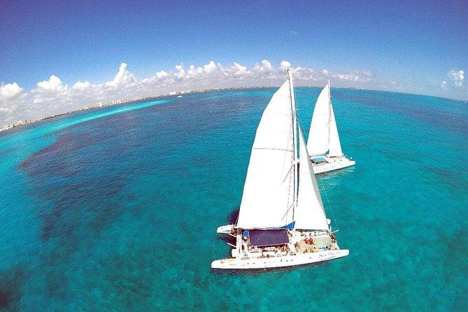 Isla mujeres catamaran day trip
