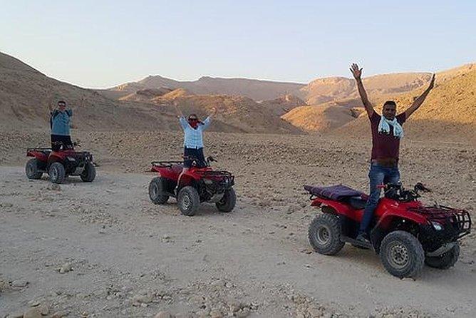 Safari behind KINGS valley.
