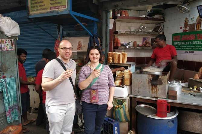 Kolkata Full Day Sightseeing Including Mother House, Kumortuli and Flower Market photo 6