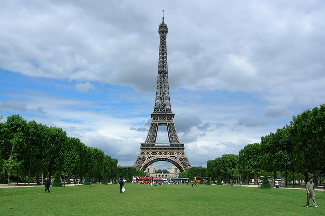 Paris Top Attractions & Hidden Gems around your Hotel Private Orientation Tour