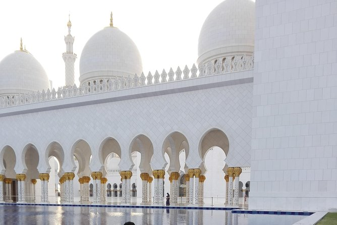 Full Day Charming Abu Dhabi City Tour with Lunch