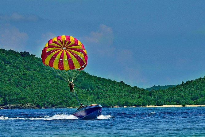 Raya & Coral Islands + Parasailing Tour by Speed Boat with Lunch