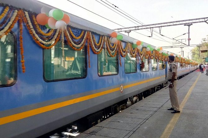 4 Days Golden Triangle Tour With Semi High Speed Fastest Train Experience