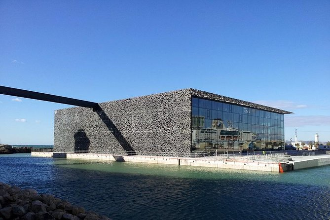Colorbus Marseille: Hop on Hop off Sightseeing Bus Tour & Entry to MuCEM