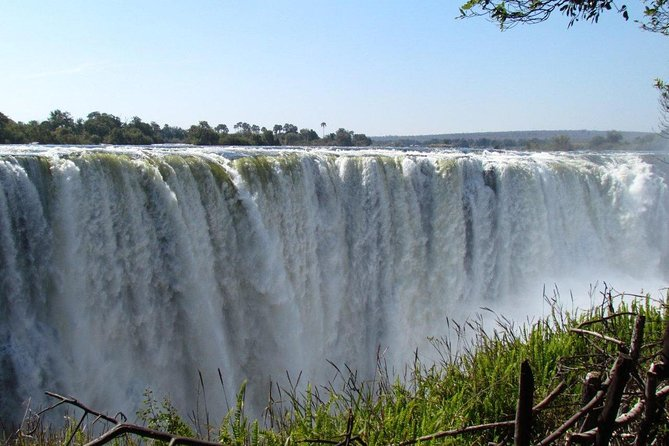 Tour of the falls in the Zambezi River
