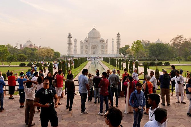 Same Day Agra Tour From Delhi By Car With Lunch