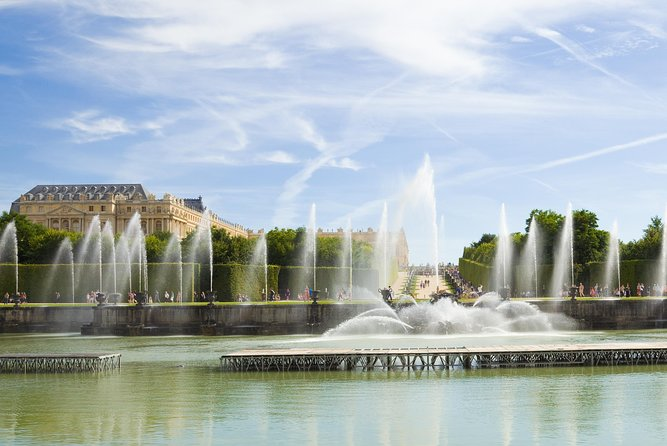 Guided Versailles and Summer Fountain Show From Paris photo 10