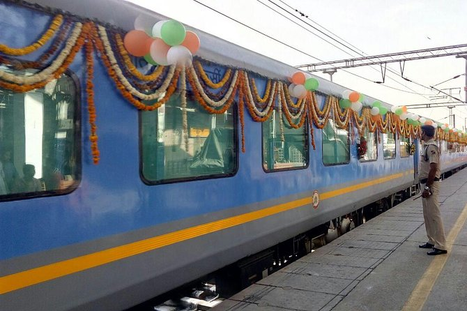 3 Days Golden Triangle Tour India with Train Ride Experience